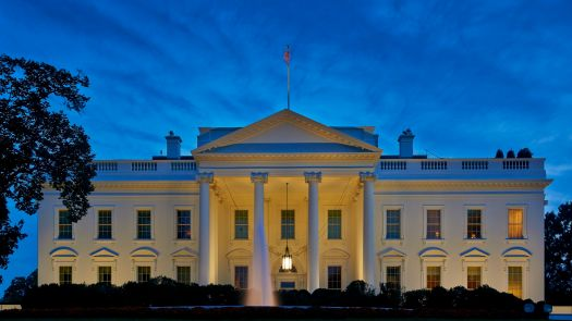 the-white-house-at-dusk